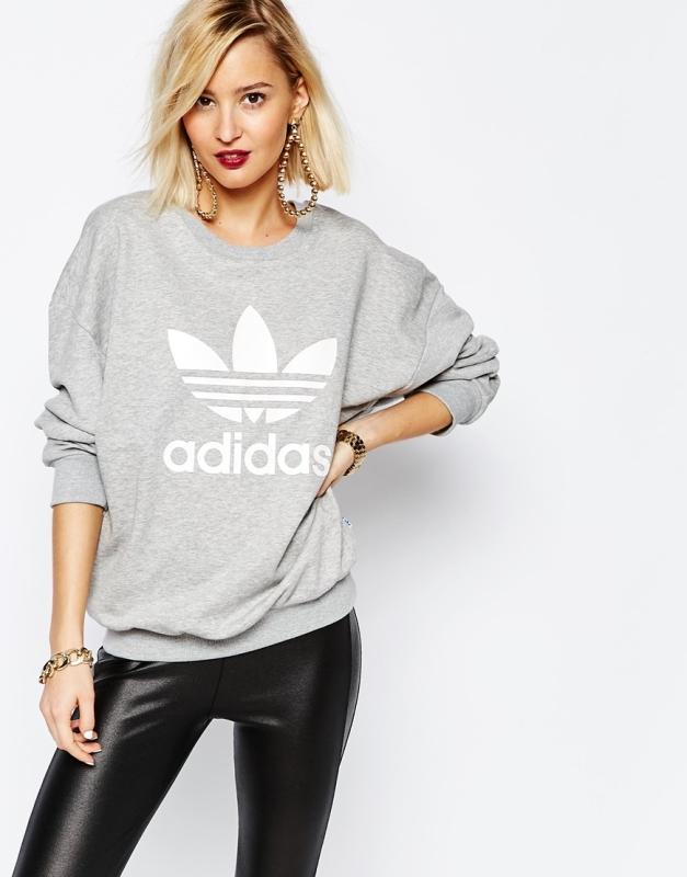 adidas Adicolour – Oversized-Sweatshirt mit Rundhalsausschnitt und Folienlogo